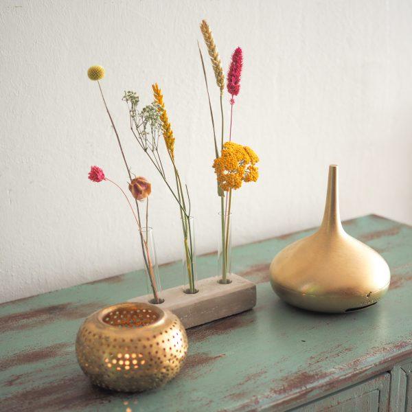 Droogbloemen-vaasje-per-post-decoratie-bloemen-urbanheart