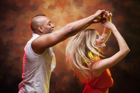 salsa-workshop-urbanheart-groningen-leeuwarden-vrijgezellenfeestje-dokkum-assen-bedrijfsuitje-dans